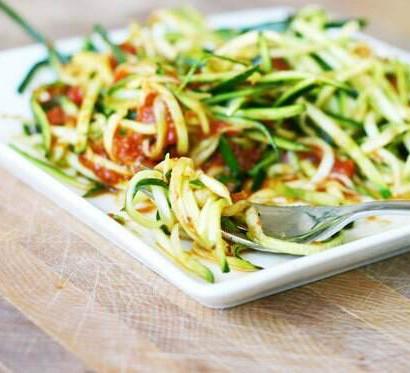 raw and heathly mac and cheese zucchini