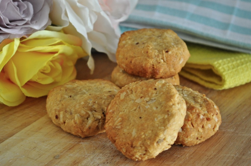 HEALTHY COCONUT AND OAT COOKIES RECIPE